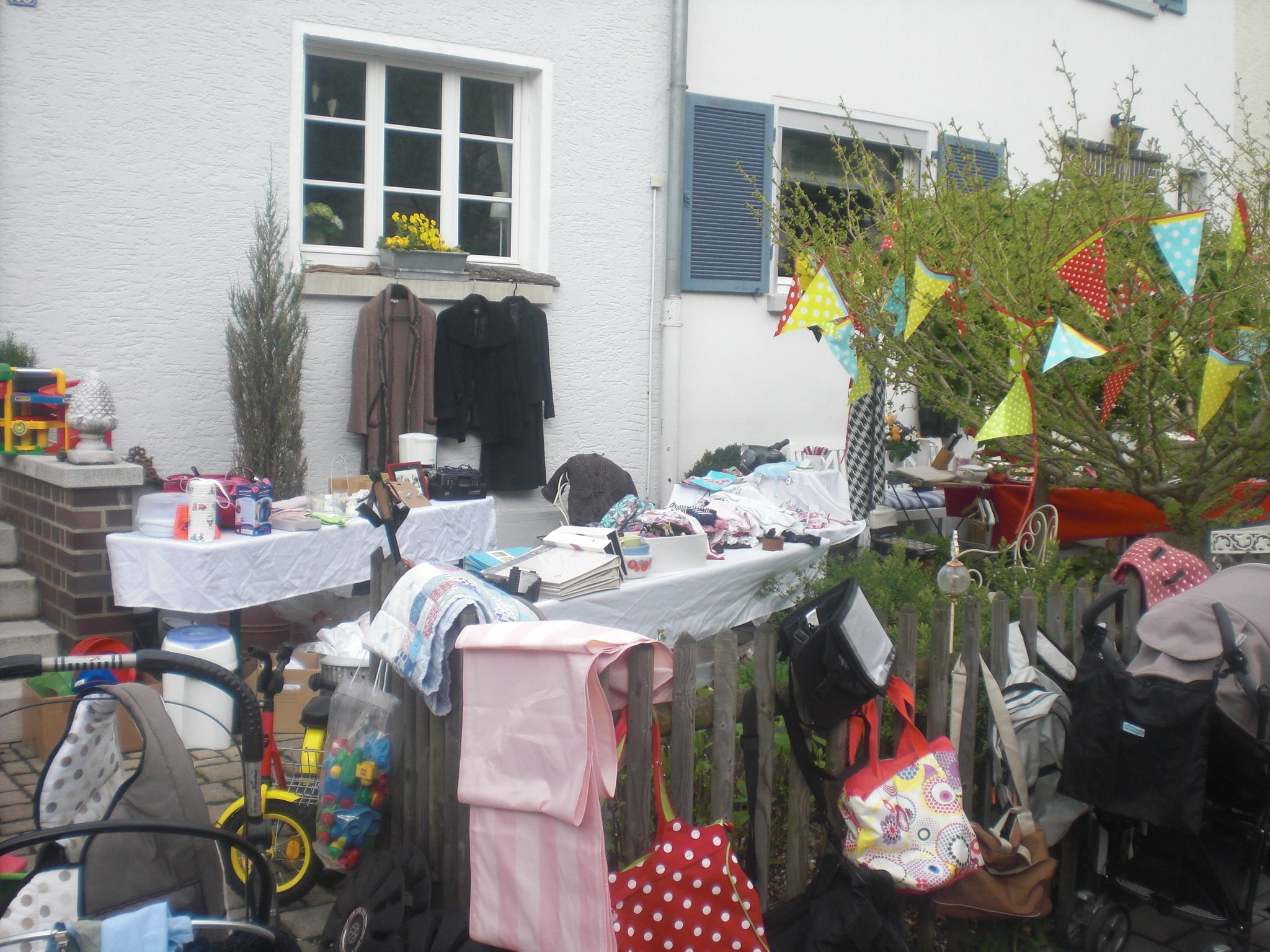 3 Vorgartenflohmarkt In Ziegelstein Loher Moos Am 02 05