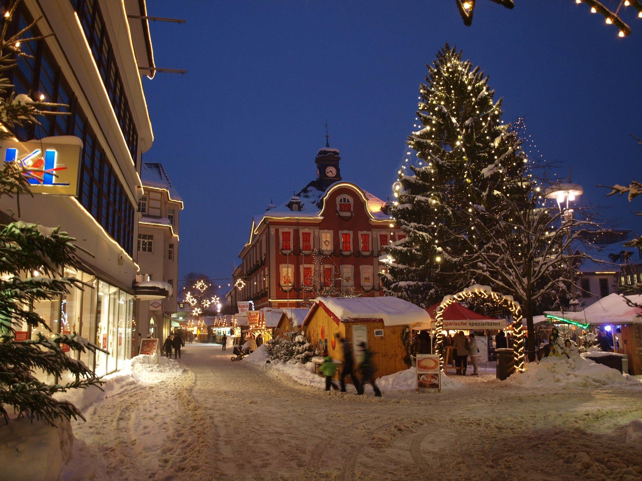 Suhl Weihnachtsmarkt.Fahrt In Die Partnerstadt Suhl Weihnachtsmarkt Auf Thüringisch