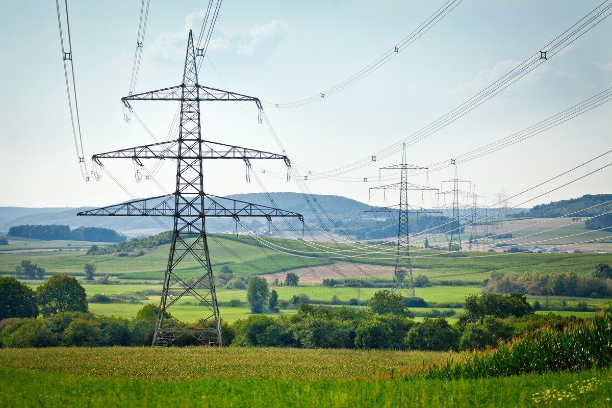 Stromtrassen: Belastungen für die Menschen und Eingriffe in die Natur müssen auf ein Minimum reduziert werden, sagen Nürnbergs OB-Kandidat Marcus König und Schwabachs OB-Kandidat Dr. Michael Fraas, beide CSU. (Symbolbild).
