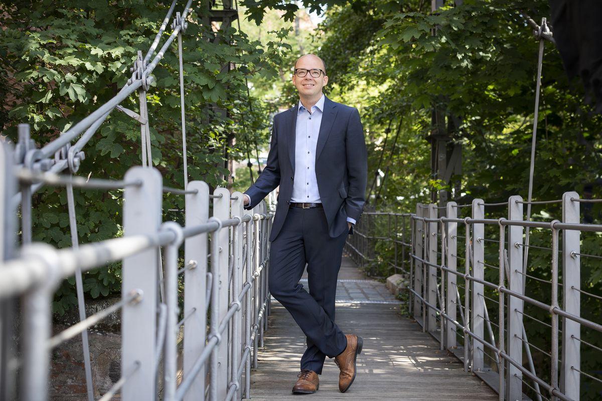 Thema Ersatzneubau der Jura-Leitung: Thorsten Brehm (Bild) und Peter Reiß sprechen sich für unbedingte Einhaltung der Mindestabstände aus.